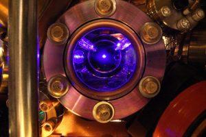 stronsiyum-atom-saati